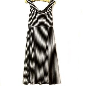Banana Republic Dresses - Banana Republic maxi dress size 10 black white EUC